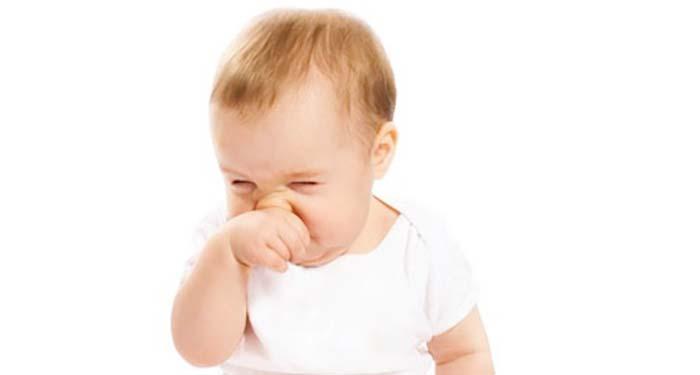 smitte baby med forkjølelse
